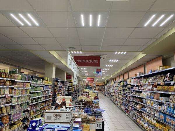 Come illuminare gli scaffali di un supermercato