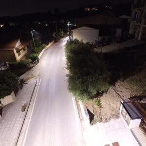 strada illuminata da armature stradali led